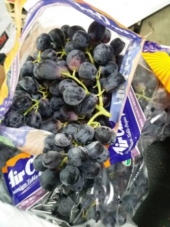 USA Black Grapes ($15/pkt)